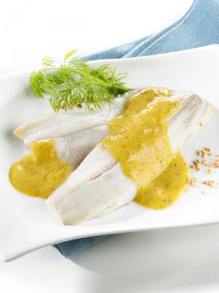 Heringsfilets in Senf-Dill-Sauce