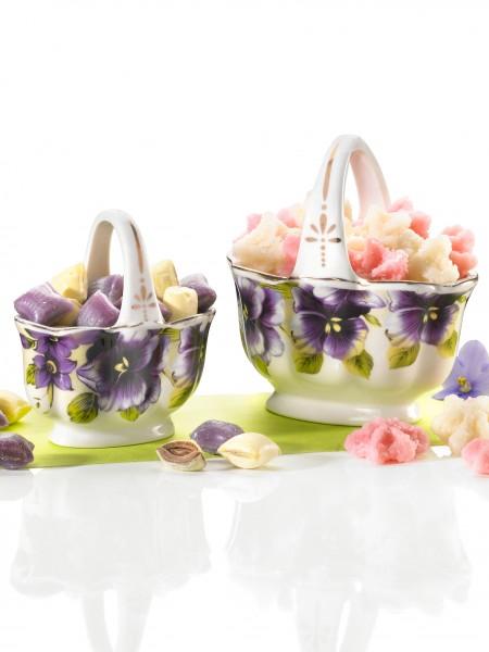Süße Porzellankörbchen